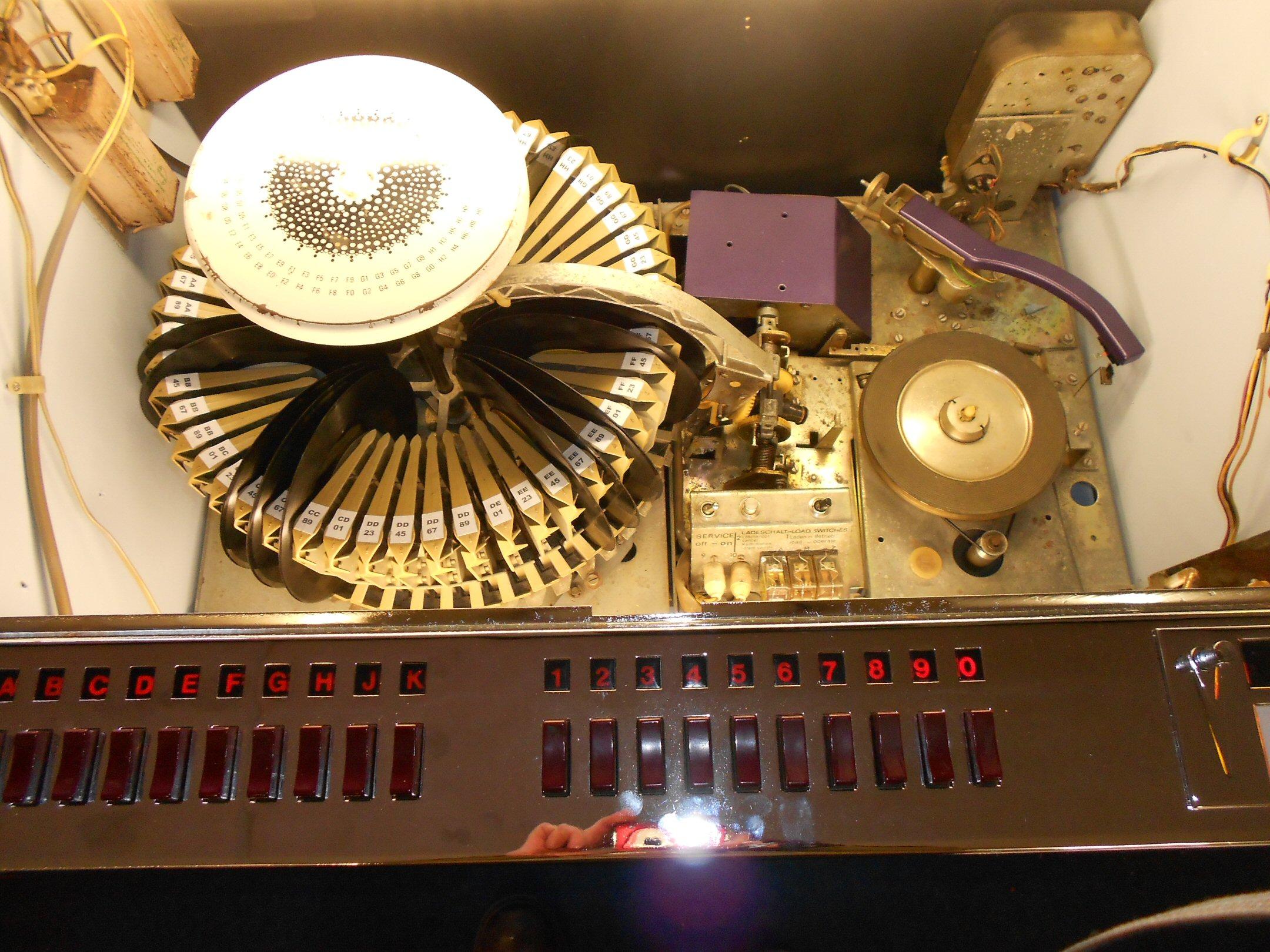 Wurlitzer Lyric F jukebox